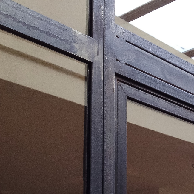detail stalen kozijn warmgewalst staal