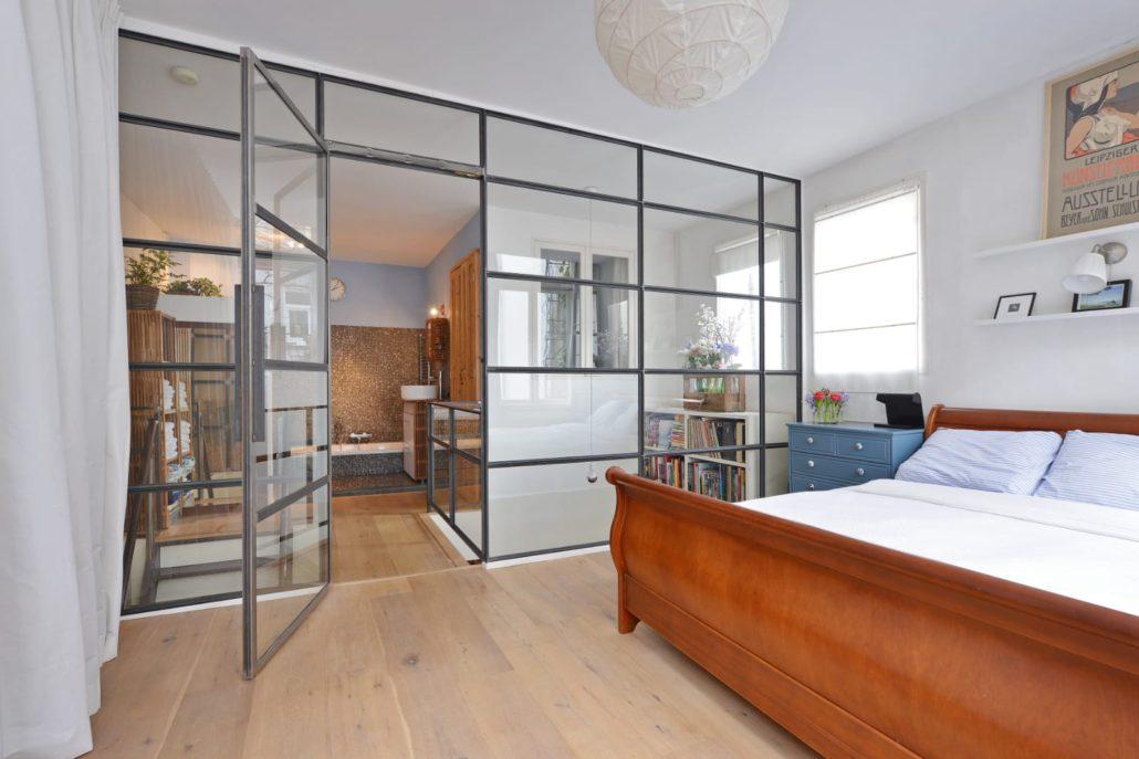 kozijn warmgewalst staal Amsterdam slaapkamer