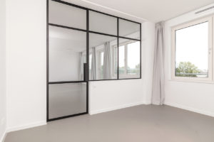 stalen kozijn met deur Amsterdam slaapkamer